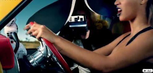 Lady Gaga lansuje Polaroida