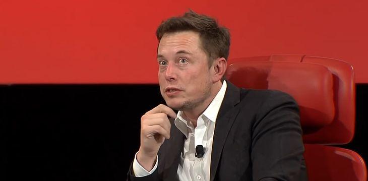 Elon Musk ponownie ostrzega przed sztuczną inteligencją