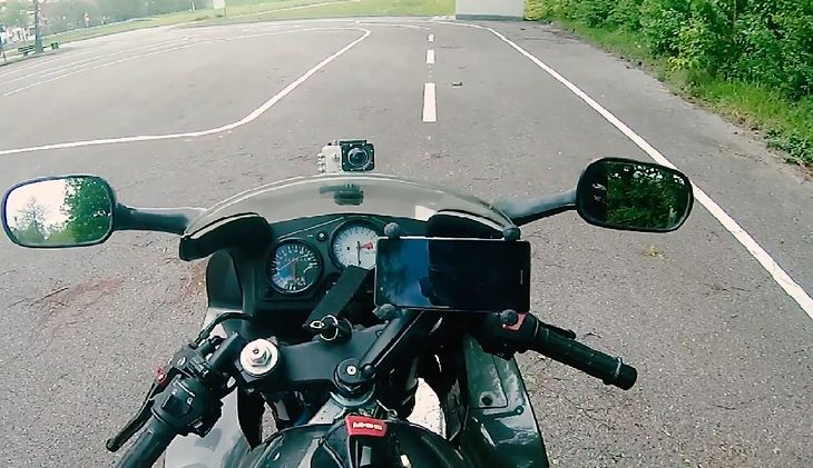Jaki uchwyt na telefon do motocykla kupić? Podpowiadamy