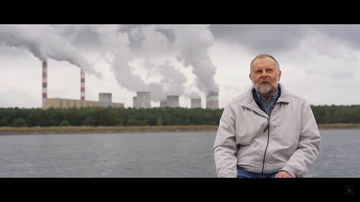 """Prof. Szymon Malinowski w filmie """"Można panikować"""" (reż. Jonathan L. Ramsey)."""