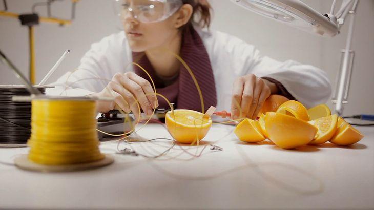 Pomarańcze jako źródło energii (i świetna reklama)