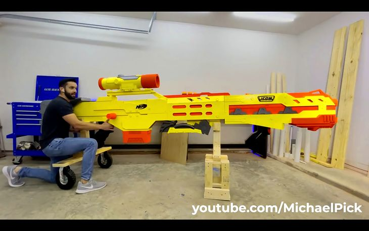 Ogromna zabawka NERF Gun