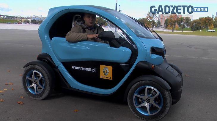 Nawet mierząc 195 cm wzrostu da się spokojnie zmieścić we wnętrzu Renault Twizy.