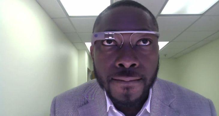Google Glass (fot. youtube.com)