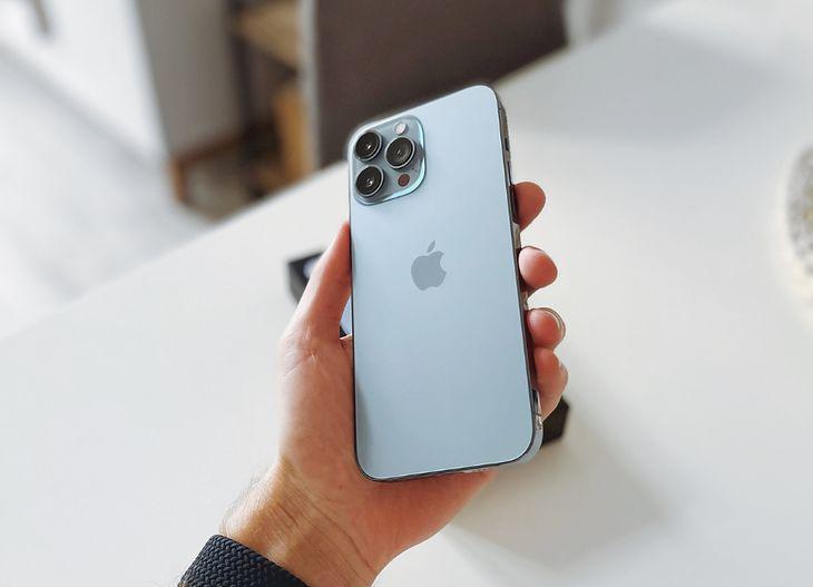 BNP Paribas wprowadza usługę leasingu iPhone'a.