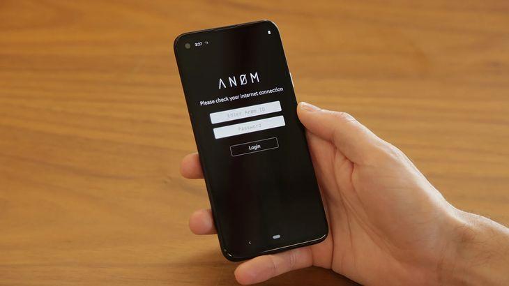 Smartfon ANOM miał być spełnieniem marzeń przestępców, a okazał się koniem trojańskim