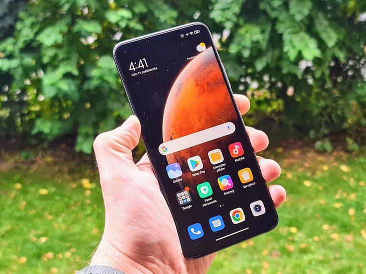 Następca Xiaomi Mi 10T ma mieć ekran AMOLED