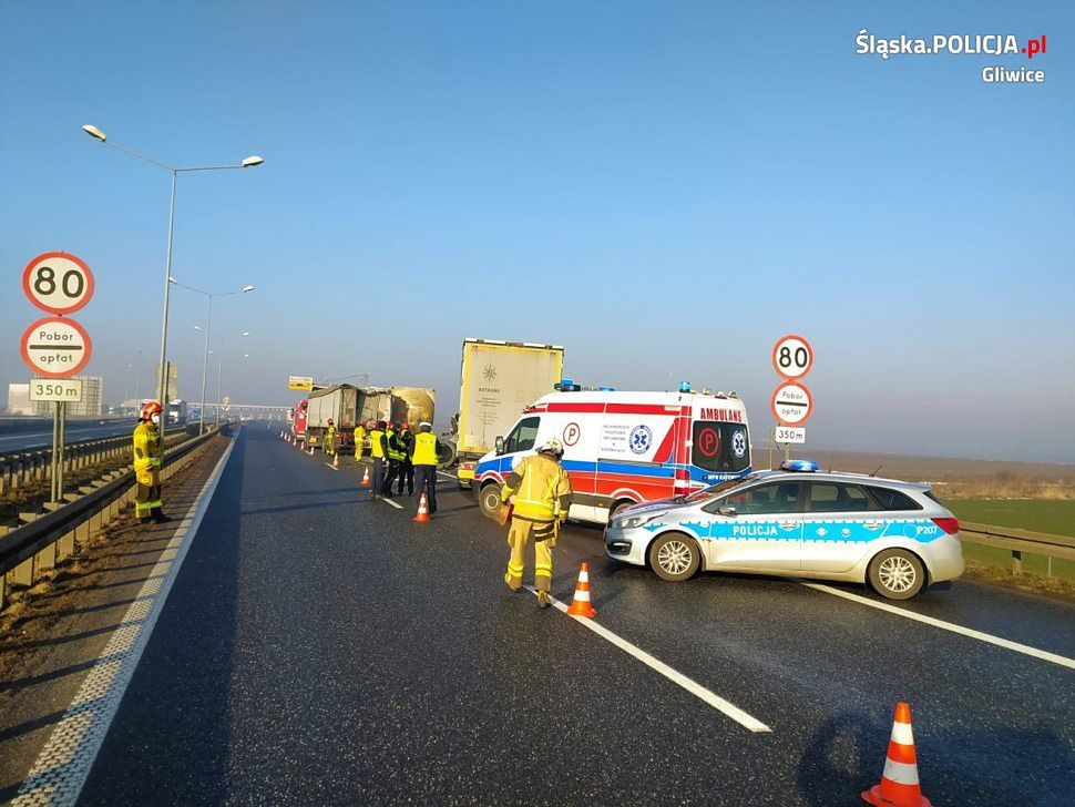 Zderzenie trzech tirów na autostradzie A4 w Gliwicach