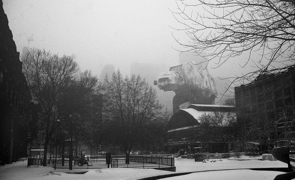 Cykl zdjęć Star Wars powstawał przez 2 lata. Thomas Dagg najpierw wykonałzdjęcia miejskich krajobrazów, a następnie przy użyciu Photoshopa wkomponował pomiędzy budynki, drzewa i ulice obiekty z legendarnego filmu.