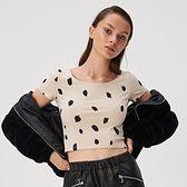 Sinsay - Krótki t-shirt ze wzorem - Beżowy