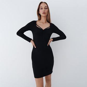 Mohito - Dopasowana sukienka - Czarny