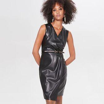 Kopertowa sukienka z imitacji skóry
