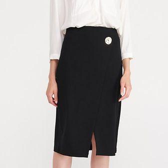 Reserved - Spódnica z dekoracyjnym guzikiem - Czarny