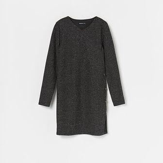 Reserved - Dzianinowa sukienka z mieniącym się brokatem - Czarny