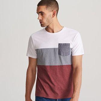 Reserved - T-shirt z kieszenią - Bordowy