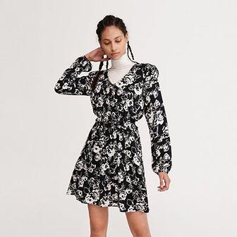 Reserved - Sukienka mini z długim rękawem - Czarny