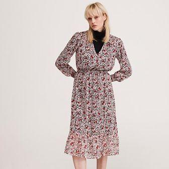 Reserved - Sukienka midi w drobne kwiaty - Różowy
