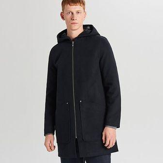 Lekki płaszcz z kapturem