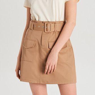 Trapezowa spódnica mini z paskiem