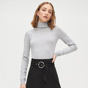Gładki sweter z golfem