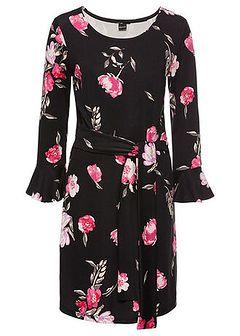 Sukienka z kwiatowym nadrukiem: must have