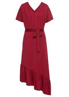 Sukienka z wiązanym paskiem