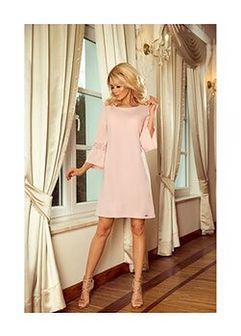 Sukienka w kolorze jasnoróżowym