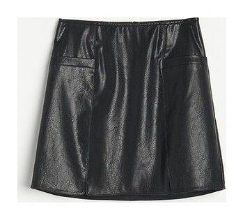 Reserved - Trapezowa spódnica z imitacji skóry - Czarny