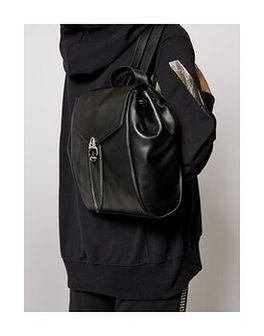 Calvin Klein Plecak Drawstring Bp W/Flap K60K606694 Czarny