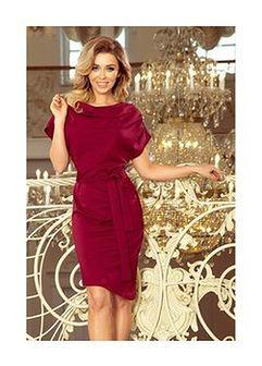 Sukienka w kolorze burgundowym