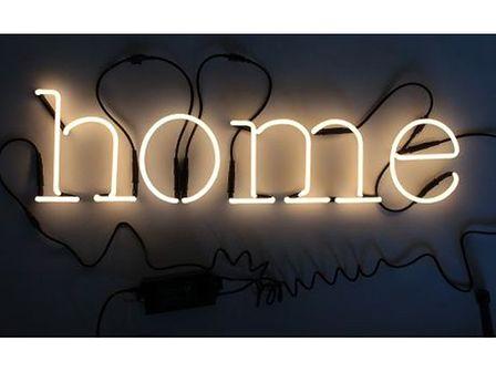 "NEON ART - napis ""home"""