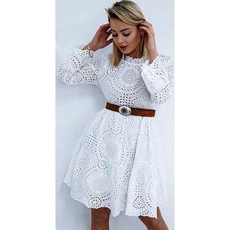 941856c666 Sukienka midi biała z okrągłym dekoltem z długim rękawem