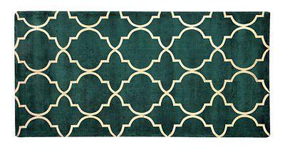 Beliani Dywan zielony ze złotym wzorem marokańska koniczyna wiskoza z bawełną  80 x 150 cm styl nowoczesny glamour