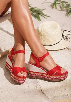Czerwone Sandały Precipitancy