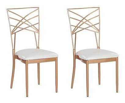 Zestaw 2 krzeseł złotych metalowych z białymi poduszkami na siedzisko z ekoskóry styl glamour