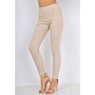 Spodnie z gipiurą w serduszka na nogawce