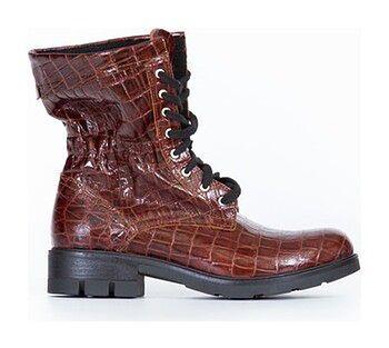 sznurowane botki z tłoczeniem - skóra naturalna - model 431 - kolor brązowo czarny krokodyl
