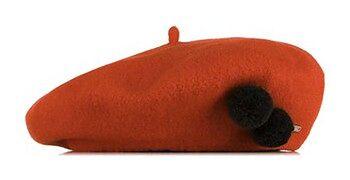 Damski beret wełniany z pomponami
