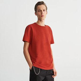 Reserved - T-shirt z teksturowanej dzianiny - Czerwony