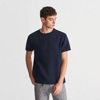 Reserved - T-shirt z teksturowanej dzianiny - Granatowy