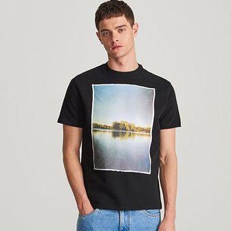 Reserved - T-shirt z naszywanymi grafikami - Czarny