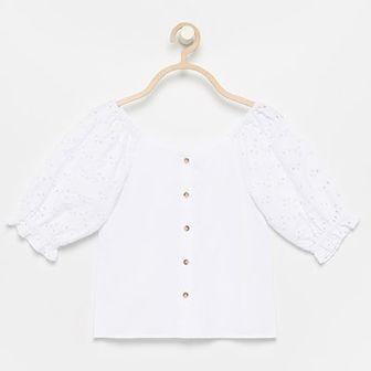 Reserved - Bluzka z haftowanymi rękawami - Biały