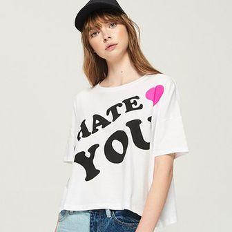 Sinsay - Krótki t-shirt z nadrukiem - Biały