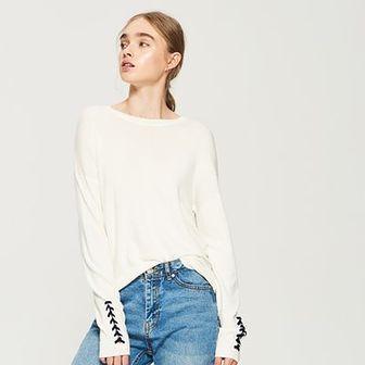Sinsay - Sweter ze sznurowaniem na rękawach - Kremowy