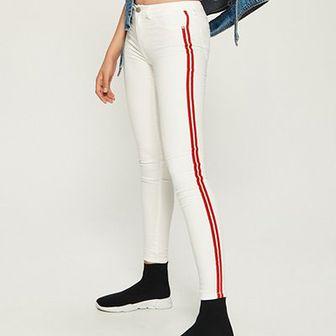 Sinsay - Spodnie slim fit z lampasami - Czerwony